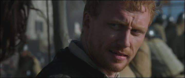 Je joue le Dr Owen Hunt dans la série 'Grey's Anatomy'. Dans 'Kingdom of Heaven', j'incarne le sergent anglais faisant partie de l'escorte de Godefroy d'Ibelin, qui suis-je ?
