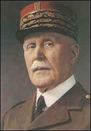 Chef de l'État français à Vichy lors de la Seconde Guerre mondiale de 1940 à 1944, il s'engagea dans une politique de collaboration avec l'Allemagne nazie.
