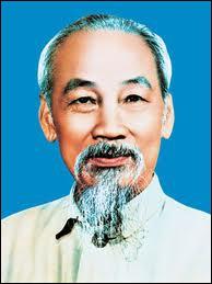Dirigeant communiste, fondateur du Việt Minh en 1941, créateur de la République démocratique du Viêtnam, il incarna la lutte anticoloniale face à la métropole française.