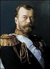 Dernier tsar de Russie, obligé d'abdiquer en 1917 après la révolution russe de février, il fut massacré avec toute sa famille par les bolcheviks dans la nuit du 16 au 17 juillet 1918.