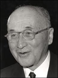 Initiateur de la Communauté européenne du charbon et de l'acier (CECA) en 1951, il est considéré comme le ''père de l'Europe''.