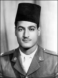 Président de la République égyptienne de 1956 à 1970, il joua un rôle décisif dans le non-alignement et le développement de la conscience arabe après les nombreuses décolonisations.