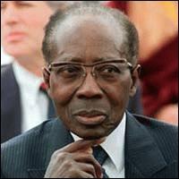 Célèbre poète, premier africain à siéger à l'Académie française, il a également été le premier président du Sénégal indépendant de 1960 à 1980.