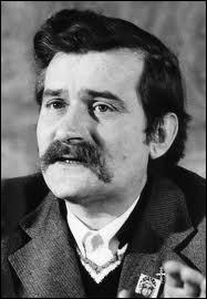Homme d'État polonais, prix Nobel de la paix décerné en 1983, il fonda en 1980 ''Solidarność'', le premier syndicat indépendant du monde communiste.