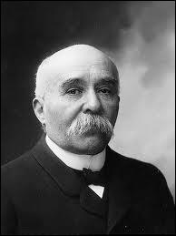 Président du Conseil en France, le 'Tigre' combattit le défaitisme et contribua à la victoire française en 1918.