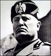 Au pouvoir de 1922 à 1943, le Duce instaura, en Italie, une dictature fasciste.