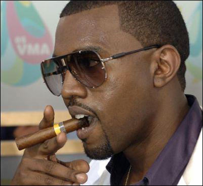 Les rappeurs Kanye West et Jay Z virent en plein concert un fan, pourquoi ?