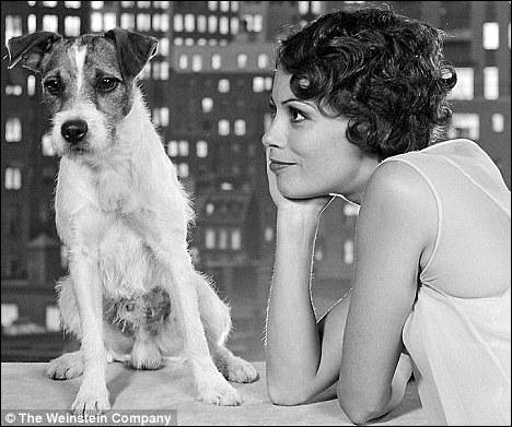 Ce petit chien vient d'être récompensé pour son rôle dans le film 'The Artist', il s'appelle ...