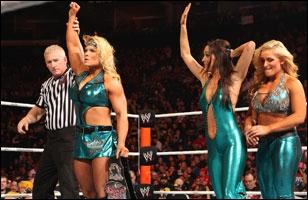 Beth Phoenix, Natalya & The Bella Twins vs Kelly Kelly, Eve, Alicia Fox & Tamina : qui sont les gagnantes de ce match par équipe ?