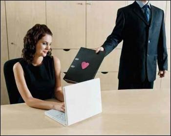En France, les lieux de prédilection pour les rencontres amoureuses sont les études et le lieu de travail. C'est le cas pour :