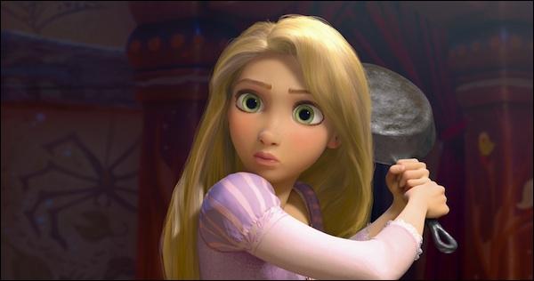 Quel est le signe de la famille royale qui rappelle à Raiponce qu'elle est une princesse ?