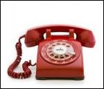 Quel personnage est régulièrement victime de canulars téléphoniques ?