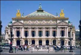 Qui est l'architecte de ce palais ?
