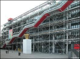 Quel architecte qui a conçu cette 'usine à gaz', tant décriée à l'époque, qu'est le Centre Beaubourg ?