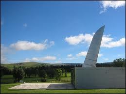 Pour quelle ville, Philippe Starck a-t-il créé cette oeuvre affûtée ?