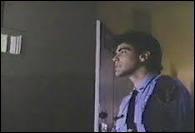 Et que dire de George Clooney (What else ? ! ) dans ce film de 1986 où des jeunes tournent un film sur un campus. De quel film s'agit-il ?
