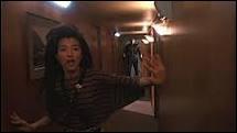 Et la charmante Kelly Hu (Hot dans le Roi Scorpion) a débuté elle aussi dans un slasher maritime en 1989. Mais lequel ?
