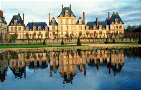 Haut lieu de l'histoire de France, ce château a été l'une des demeures des souverains français depuis François Ier, jusqu'à Napoléon III.
