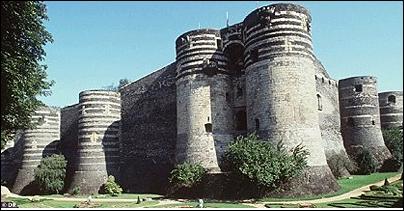 Château des ducs d'Anjou situé dans le département de Maine-et-Loire.