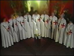 L'Ordre du Temple Solaire est une secte suisse fondée en 1981 par un médecin et un bijoutier. En 1994, les gourous ordonnent un suicide collectif. Combien y-eut-il de victimes ?