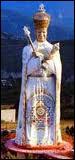 L'ordre des chevaliers du Lotus d'or a été fondé en 1967 par Gilbert Bourdin, qui se fait également appeler 'Messie Cosmo-planétaire'. Cette secte est installée à Castellane, dans le sud de la France.