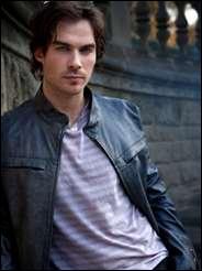 Je suis un vampire et je suis amoureux d'Elena mais je ne sors pas avec elle, qui suis-je ?