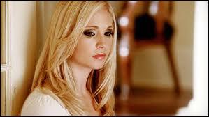 Je suis l'autre amie d'Elena et je vais devenir un vampire, qui suis-je ?