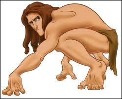 Comment s'appelle cet homme de la jungle qui se prend pour un singe ?