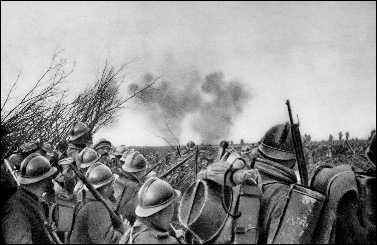 Dans quelle ville de la Meuse, après 10 mois de combat et plus de 300 000 tués, les Français réussissent-ils à repousser l'attaque des Allemands ?