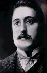 Guillaume Apollinaire, de son vrai nom Wilhelm Albert Wlodzimierz Apolinary de Waz-Kostrowicki, 1914 :