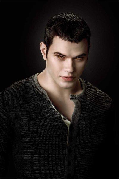 Je suis le plus fort des Cullen :