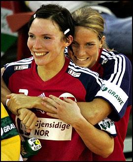 Gro Hammerseng a représenté le couple lesbien glamour du handball entre 2005 et 2010 avec :