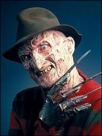 Ce psychopathe au gant hérissé de lames, poursuit ses victimes dans leurs rêves pour les faire mourir de terreur.