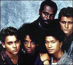 Quel célèbre acteur a débuté dans '21 Jump Street' ? (1987)