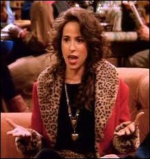Comment s'appelle la petite amie de Chandler dans la saison 1 ?