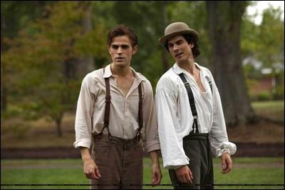 En quelle année Stefan et Damon ont-ils été transformés en vampires ?