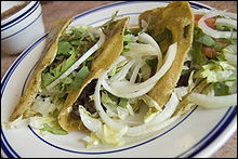 En plat convivial, il y a la tartine et le sandwich. Pour varier, à condition de faire les préparations de légumes coupés ou de viande, on peut recourir à la cuisine mexicaine traditionnelle et à ses