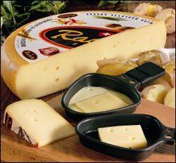 Petits plateaux individuels sous grill ou pièce entière à racler, fromage, à agrémenter de jambon, lard fumé, pommes de terre, oignons, herbes...