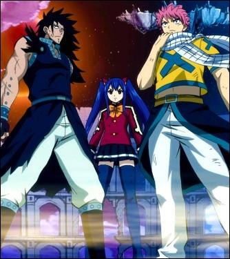 Comment s'appelle l'armure que Faust utilise pour se battre contre les trois Dragons Slayers ?