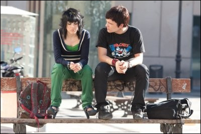 Pourquoi Greg est-il proche de Paola ?