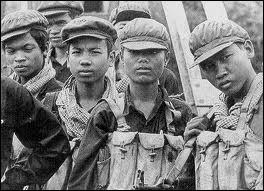 Les Khmers rouges de sinistre mémoire ont sévi dans quel pays ?