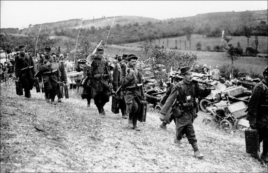 Quel moyen de transport achemina les troupes françaises sur la Marne ?