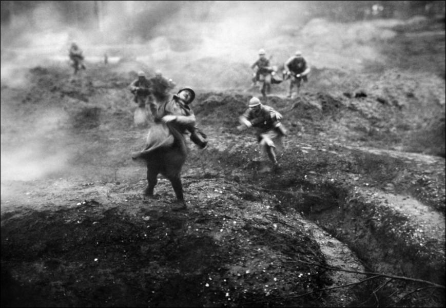 Quel nom est donné à cette guerre de 1914 à début 1915 ?