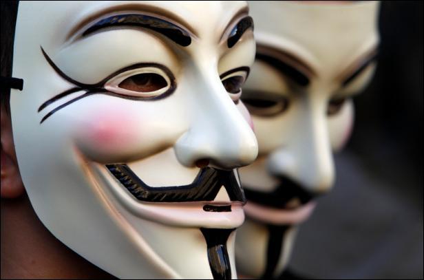 Cette entité qui a fait parler d'elle récemment est composée de 'hackers' qui se présentent comme les défenseurs du droit à la liberté d'expression sur Internet. Il s'agit de :