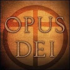 'L'Opus Dei' est une société secrète catholique reconnue par le Vatican. Sa devise est 'Sois viril, sois homme, puis sois un ange'. Que signifie ce nom en latin ?
