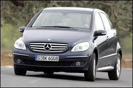 La Mercedes-Benz Classe B est un monospace compact : en quelle année est-elle sortie ?