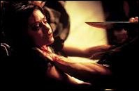 À quel type de jeune, le tueur du slasher  Cherry Falls  s'en prend-il ?