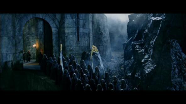 Qui décide d'envoyer les elfes pour aider les hommes ?