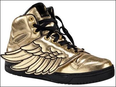 Quel dieu grec porte ces jolies chaussures ?