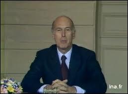 Comment Valéry Giscard d'Estaing annonce-t-il sa candidature à sa propre succession en 1981 ?